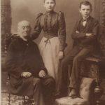 Con sus nietos Isabel y Julio
